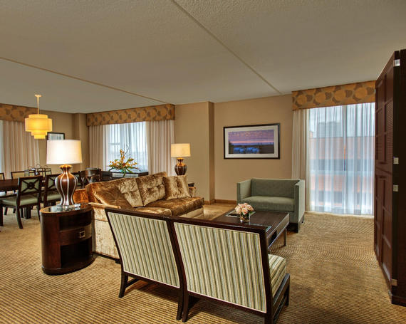 Heldrich hotel suite common room